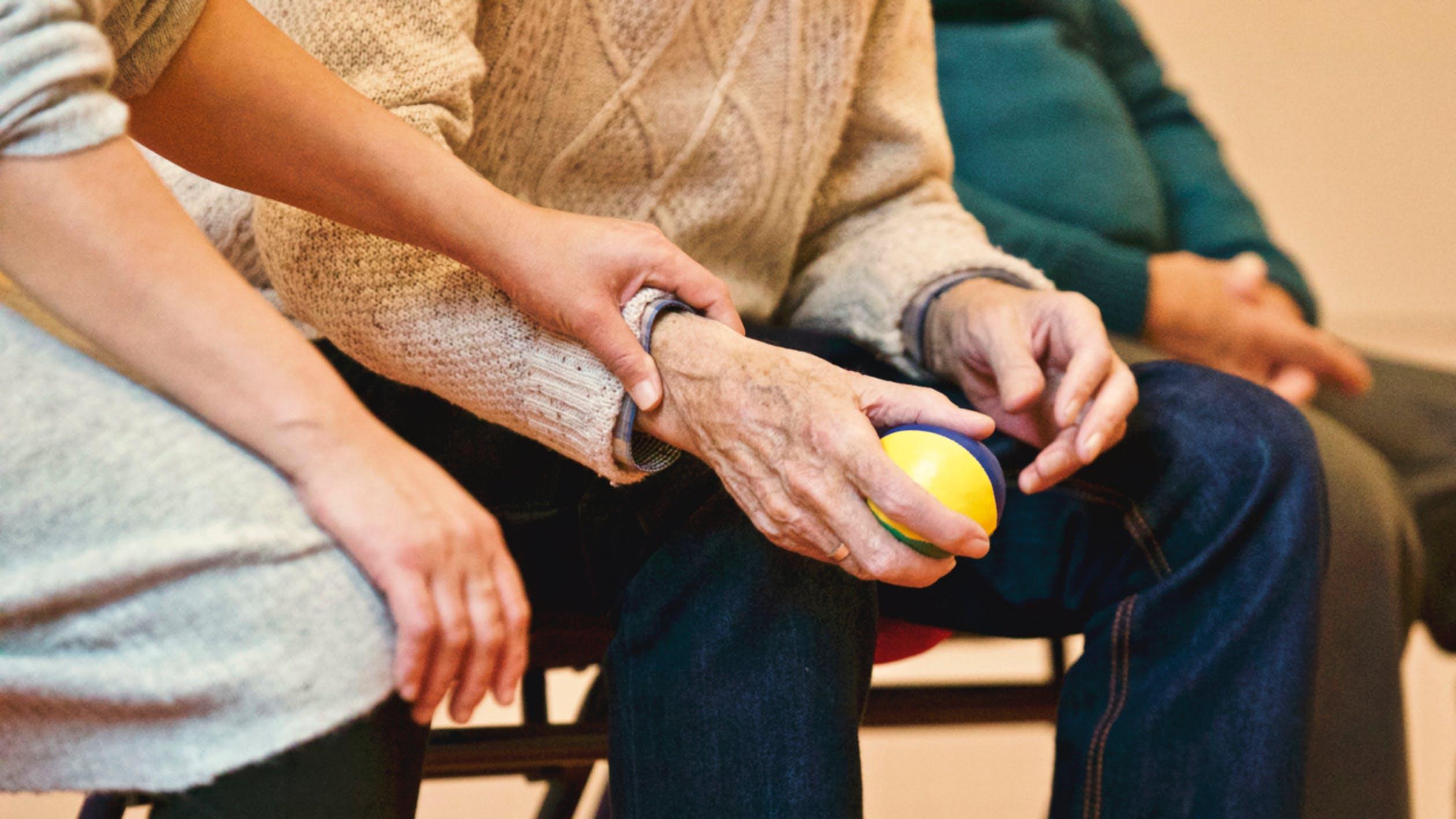 Alzheimer: simptome, cauze, tratament și prevenție