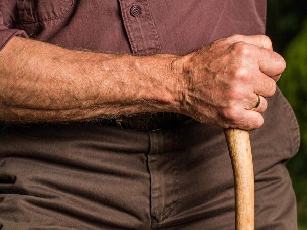 Boala Parkinson: Cauze, simptome, stadii și tratament